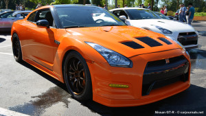 Orange Nissan GT-R - HD Wallpaper - Car Journlas