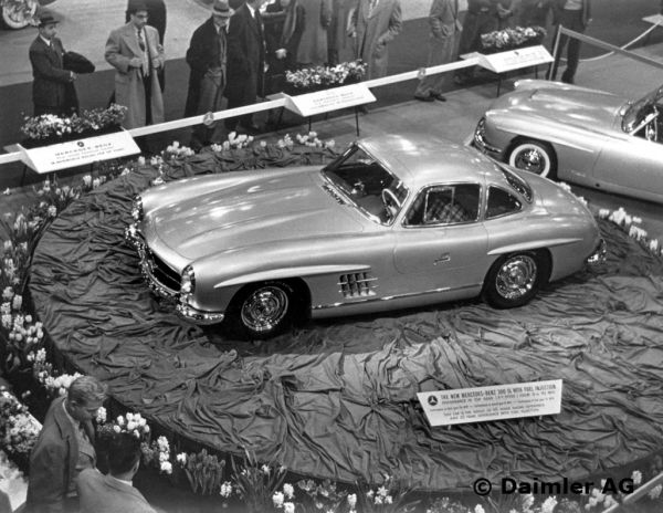 Mercedes-Benz 300 SL Coupé (W 198). Unveiled at the International Motor Sports Show in New York, 6 to 14 February 1954.