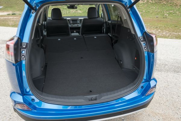 2016 Toyota RAV4 Trunk