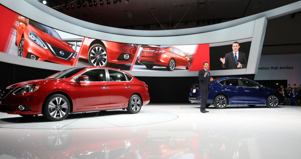 2016 Nissan Sentra debuts at the Los Angeles Auto Show