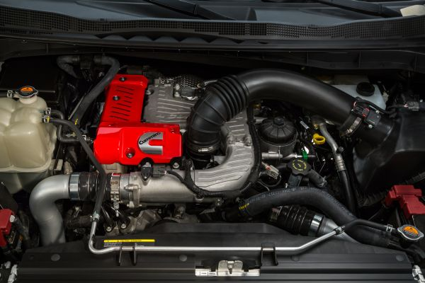 2016 Nissan TITAN XD Engine