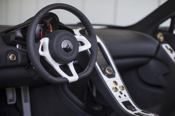McLaren 650S Spider Al Sahara Interior