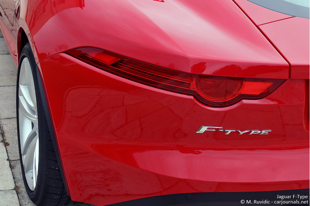 Jaguar F-Type tail light detail - Car journals