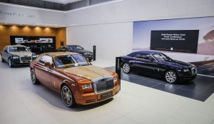 Rolls-Royce Motor Cars redefines super-luxury bespoke motoring at the Dubai International Motor Show